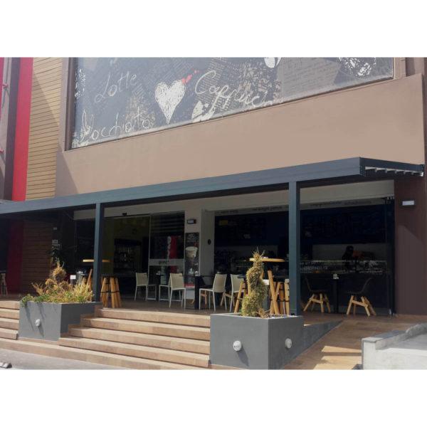 Triple Zerro Uniq F shown on restaurant